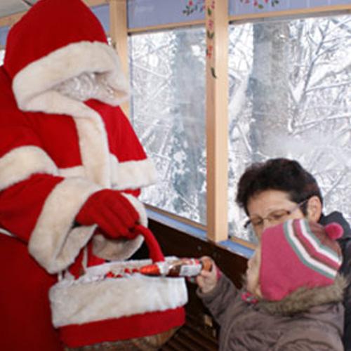 Noël est une fête très matérielle, tout tourne autour de la.